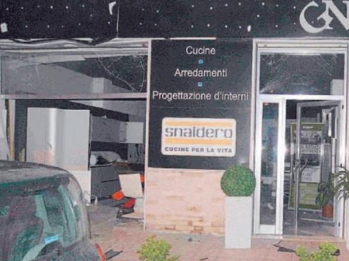 ... La Polizia di Stato sequestra beni per un valore di 1.500.000,00 euro