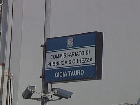 Gioia tauro arrestato autore degli spari contro casa ex - Mobili di gioia rizziconi ...