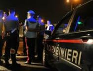Distrugge bar ed aggredisce carabinieri: arrestato