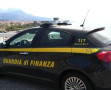 Vibo Valentia: Ordigno esplosivo, armi ed autovetture rubate sequestrate dalle fiamme gialle