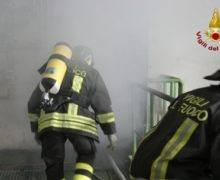 Incendio a Cosenza, evacuate 14 famiglie
