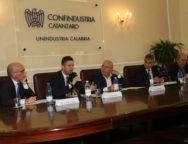 """Il Presidente Oliverio all'incontro di Confindustria Catanzaro dal tema """"Gli obiettivi della programmazione regionale"""""""