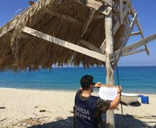 Palmi, sequestro ombrelloni abusivi in localita' tonnara di Palmi