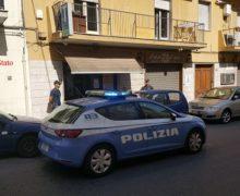 Polizia di Stato: le Volanti arrestano in flagranza di reato stalker che pedina e minaccia di morte l'ex compagna.