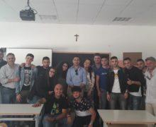 L'Onorevole Furgiuele, in qualità di componente della commissione cultura scienze e istruzione della Camera dei Deputati, questa mattina ha incontrato i ragazzi dell'ITG di Lamezia Terme.
