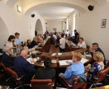 """Il Presidente Oliverio al primo """"Meeting Internazionale sulla Dieta Mediterranea"""" a Nicotera"""