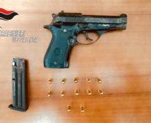 Nicotera, pistola nascosta in casa, arrestato minore