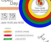 """Sabato 15 dicembre l'open day al """"Rechichi"""" Docenti e studenti insieme per presentare l'offerta formativa del Liceo"""