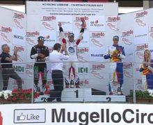 Exploit di Simone Iaquinta al Mugello: doppia vittoria in gara uno   e gara due nel quarto round della Carrera Cup Italia