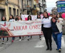 Melicucco, inaugurata la panchina rossa contro la violenza sulle donne