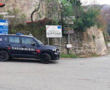 Giffone, spara alcuni colpi di pistola contro la macchina dello zio, arrestato
