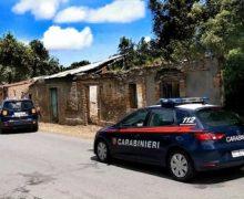 Redditi di cittadinanza fantasiosi, altre 18 denunce dei carabinieri: Dalla moglie del boss al 41bis, alla residenza in un rudere abbandonato