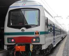 Uomo sotto treno, disagi linea tirrenica Transito su un unico binario, forse è un suicidio