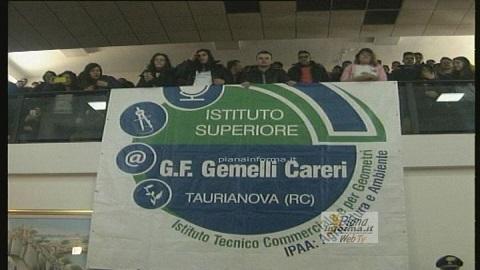 taurianova-la-protesta-degli-studenti-del-Gemelli-Careri