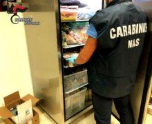 Reggio Calabria: cibo congelato e mal conservato, i Carabinieri del NAS deferiscono la titolare di un ristorante.