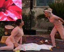 """""""Castle of light in Caccuri"""", una originale e innovativa produzione teatrale dei Vacantusi delizia il pubblico del Premio Letterario Caccuri 2020 vinto da Renzo e Carlo Piano"""