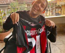 Sport: ragazzo di Rosarno pubblica foto con maglia di Ibrahimovic