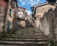 Cinquefrondi, assegnate le prime case al costo di un Euro