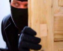 Turismo: Fenailp, attenti ai furti in casa