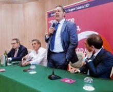 Elezioni regionali, Toti a Vibo Valentia: La Calabria puo' trainare lo sviluppo del paese con un'amministrazione forte e applicando il modello Liguria
