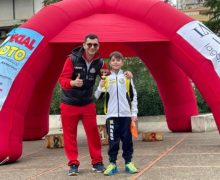 A Rocca di Neto il giovanissimo Federico Ferrarini vince la gara dei 1000m